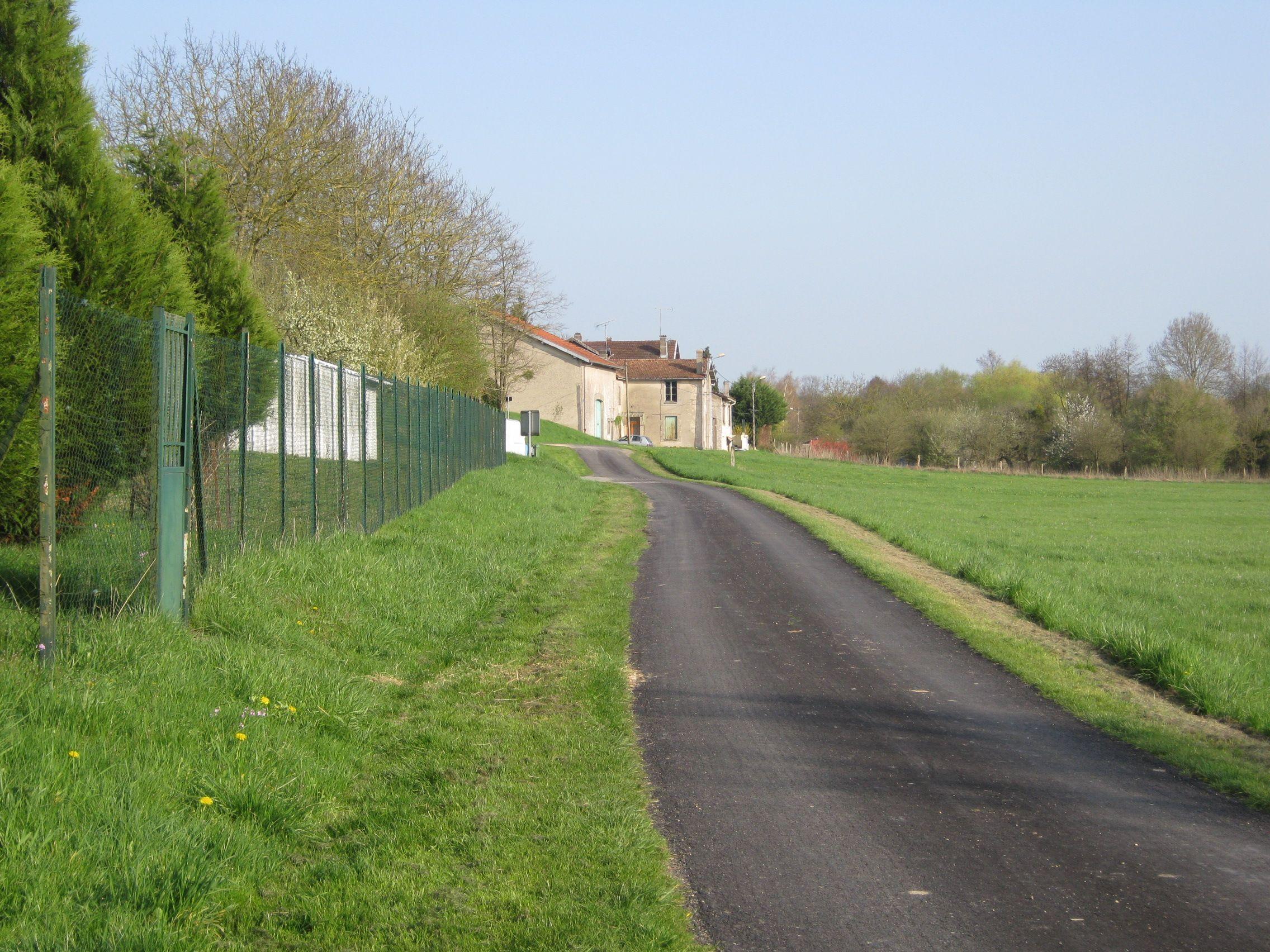 Aubreville le village page 46 for Au bout du jardin